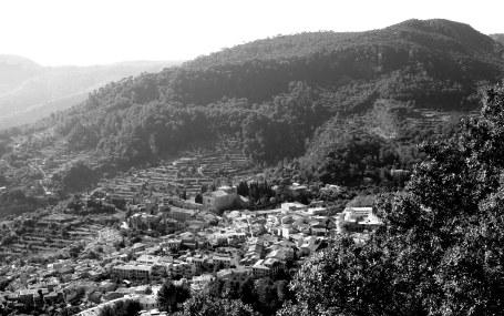 Valldemossa desde la Sierra de Tramontana