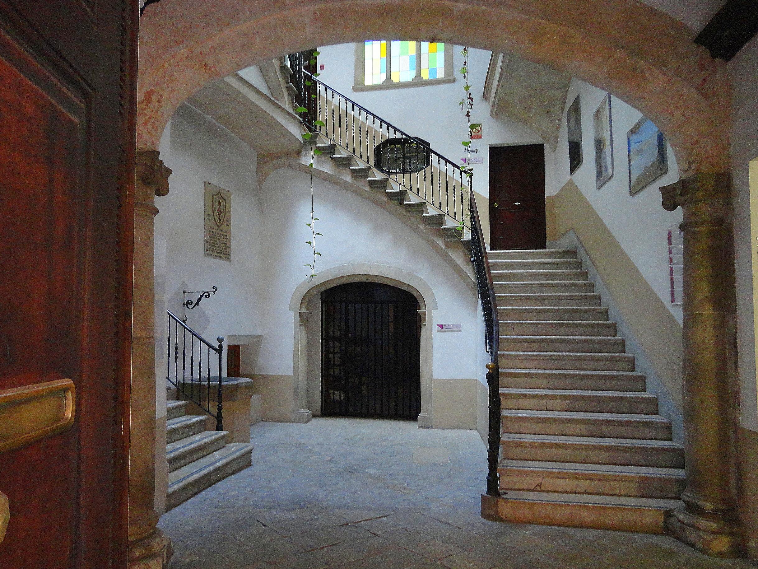El patio mallorqu n ejemplo perfecto de arquitectura - Casas antiguas por dentro ...