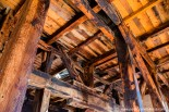 Para soportar el movimiento de la campana mayor de la catedral, de 4,2 toneladas de peso, en el interior del campanario se colocó una potente estructura de madera de pino, más flexible que la rígida de mampostería