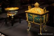 Inciensiario de cobre dorado y esmaltado en forma de Ding, comienzos de la Dinastía Ming.