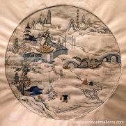 La Ciudad de Piedra después de la Nieve, panel de seda bordada al estilo Gu que representa la antigua ciudad fortificada que originó Nankín. Final del periodo Ming.