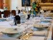 Mesa de los senyors dispuesta para una comida de gala en Es Calderers.