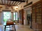 """Biblioteca de Alfàbia, entre sus volúmenes se encontraba el original del """"Llibre del Repartiment del Rei Jaume-II"""", del siglo XIV, hoy día conservado por la Consejería de Cultura."""