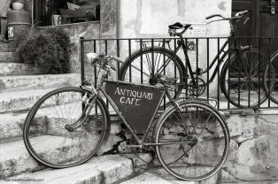Antiquari_Cafe