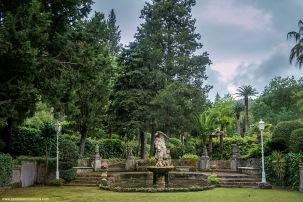 Precioso Jardín con la Serra como marco