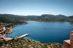 Vista del Puerto Natural de Cabrera desde los muros del Castillo