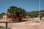 El refugio de Cabrera se sitúa en uno de los edificios de la antigua Compañía Militar